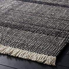 Loop black and white rug Carpet Decor, Diy Carpet, Modern Carpet, Stair Carpet, Hall Carpet, Cheap Carpet, Black White Rug, Black Rugs, Black And White Dining Room
