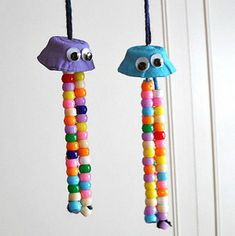 I love the mega-cuteness associated with just about every jellyfish craft out there, so that's where this idea stemmed from. Egg Carton Crafts: Colorful Jellyfish I chose certain colors for mine,Read Animal Crafts For Kids, Crafts For Kids To Make, Craft Activities For Kids, Toddler Crafts, Projects For Kids, Kids Crafts, Arts And Crafts, Craft Ideas, Vocabulary Activities
