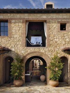 Spanish style homes – Mediterranean Home Decor Tuscan Style Homes, Spanish Style Homes, Porches, Studio Floor Plans, Modern Kitchen Lighting, Brick Architecture, Mediterranean Home Decor, Beautiful Interior Design, Stone Houses