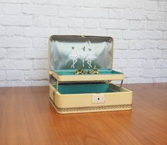 Mid Century Ballerina Jewelry Box by Farrington, Butter Cream Texol with Aqua…
