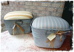 Cute little ottomans made from galvanized wash tubs. Decoration Palette, Decoration Shabby, Diy Projects To Try, Home Projects, Repurposed Furniture, Diy Furniture, Country Decor, Farmhouse Decor, Galvanized Tub