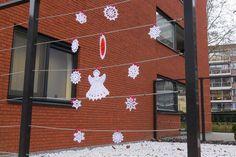 Bizzy Hands - Christmas yarnbomb