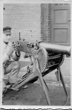 Although this was originally labeled as a WW2 photo, this is a Maxim gun, not a Vickers. Still...I'd buy that for a dollar.