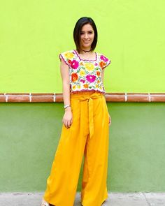 Mexican Fashion, Mexican Outfit, Mexican Dresses, Mexican Style, Boho Fashion Over 40, Teen Fashion, Retro Fashion, Boho Outfits, Casual Outfits
