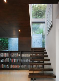 Hollywood Hills home by Griffin Enright Architects; Photographed by Benny Chan, Fotoworks