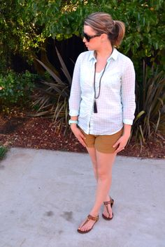 Sweetie Pie Style: mint gingham top, old navy tan shorts, tassel necklace