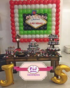 Decoração festa em Vegas com mesa provençal rústica, painel de bexigas, personalizados e muito mais. Entre em contato. Atendimento preferencial zona Norte e Guarulhos.