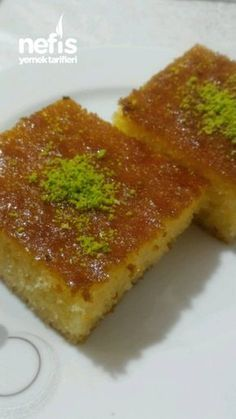 Revani Dessert of Famous Baki Master faciles gourmet de cocina de postres faciles pasta saludables vegetarianas Turkish Sweets, Gourmet Desserts, Plated Desserts, French Pastries, Turkish Recipes, Molecular Gastronomy, Desert Recipes, Food Presentation, Street Food