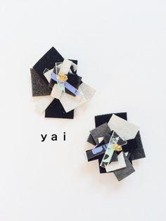 イソギンチャクの様な、お花の様な… 他には無いデザインのイヤリングです。 素材は柔らかくて発色の良いレザーと、透明ビニールにアクリルで色を付けた...|ハンドメイド、手作り、手仕事品の通販・販売・購入ならCreema。