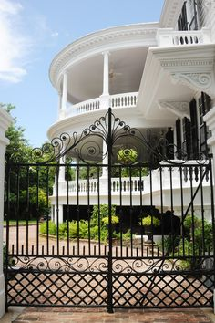 These 10 Southern Porches Are Perfect for Graceful Lounging Photos… [A circa-1760 mansion on Meeting Street in Charleston, South Carolina.]