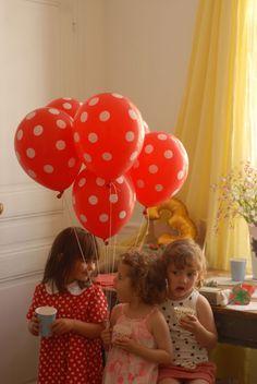 Ballons rouges à pois blancs -Les week-end en famille, blog malleotresors.com.
