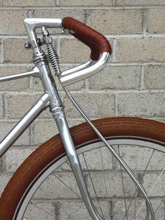 Mtb, Garage Bike, Leather Bicycle, Cycling Bikes, Cycling Art, Cycling Jerseys, Bike Details, Retro Bike, Push Bikes