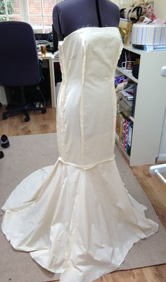 Fishtail wedding dress pattern - the front