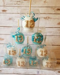 Candy apples by Desiree's Delightful Treats LLC Tiffany Birthday Party, Birthday Candy, Carmel Candy, Halloween Candy Apples, Gourmet Caramel Apples, Chocolate Covered Apples, Apple Decorations, Gourmet Gifts, Treats