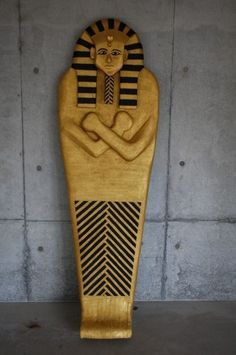How to make a sarcophagus for an Egyptian Halloween display
