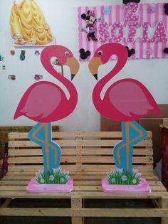 Moana Birthday Party, Birthday Parties, Flamenco Party, Flamingo Craft, Flamingo Birthday, Tropical Party, School Decorations, Diy Arts And Crafts, Pink Flamingos