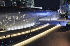 Zaha Hadid_Seoul Dongdaemun Design Plaza | Flickr - Photo by Kata L.