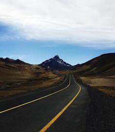 #mendoza #teamo #roadtrip #argentina #mountains #paso #pehuenche #ruta #altiplano #upinthesky #drive #photography #joakomendonca #frontera #paradise #coldlovers http://ift.tt/1Mu8ciD