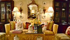 Eye For Design: How To Create Beautiful Yellow Rooms French Country Living Room, Yellow Interior, Love Your Home, Cottage Living, Mellow Yellow, Mustard Yellow, French Decor, Living Room Sets, Beautiful Interiors