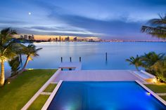 Home builder Luis Bosch has sent us images of a house he recently built in Miami Beach, Florida.