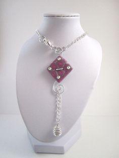 Collier de dos (et ras de cou) bouton carré rose pastel & gris clair en polymère et aluminium : Collier par mix-mania __________________ Jewelry clay polymer