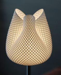 MGX - Tulip Tischleuchte Hoch - Schirm gewebt als Tischlampe. Direkt online bestellen.