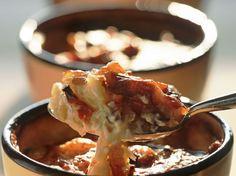 Découvrez la recette Tartiflette à la façon de Marc Veyrat sur cuisineactuelle.fr.