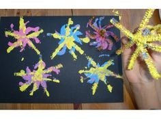 With bonfire night on the horizon, why not give these Firework print paintings a go. Just twist some pipe cleaners together, dip and paint! Bonfire Night Activities, Bonfire Night Crafts, Autumn Activities, Craft Activities, Bonfire Ideas, Montessori Activities, Diwali Fireworks, Fireworks Craft, Chinese New Year Crafts For Kids