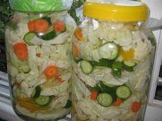 Zelenina, která je připravená ke konzumaci druhý den po přípravě. Pickles, Mason Jars, Syrup, Pickle, Mason Jar, Pickling, Jars