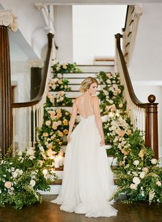 The ultimate private estate or backward wedding planning guide, with tips & inspiration for a stress-free - and gorgeous - wedding at a nontraditional venue Bridal Poses, Bridal Portraits, Wedding Poses, Woods Wedding Inspiration, Fashion Inspiration, Wedding Planning Guide, Free Wedding, Magical Wedding, Wedding Blog
