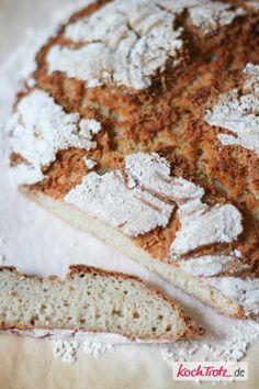 Glutenfreies Landbrot mit Teffmehl. Schmeckt wie vom Bäcker.