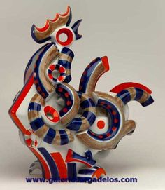 El gallo en cerámica de Sargadelos es una verdadera obra maestra por su complejidad técnica y sus connotaciones sociales.