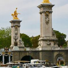 #france #paris #parisphoto #parisienne #paris#seine #bridge #boat #boats #boating #dock #river #lamppost #bridge #sky #arch #green #travel #travelphotography #traveling #instagram #instagood #instatraveling #nice #beauty #beautiful #beautifulplace #gold #instagold #gold