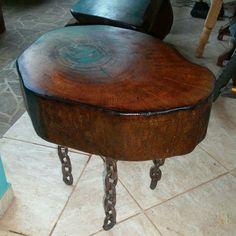 mesa de Centro rustica e Exclusica feita de cepo de madeira e pernas de correntes de navios