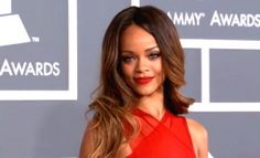 Rihanna zeigt Chris Brown was er verpasst