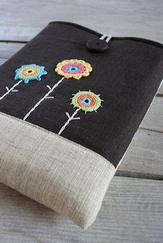 Laptop sleeve of linen by SandraStJu, via Flickr