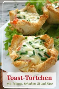 Recipe for toast tarts filled with tomato, ham, egg and cheese. Informations About Toast-Törtchen mit Schinken, Tomaten und Käse – Quick Recipes, Egg Recipes, Appetizer Recipes, Snacks Recipes, Pizza Recipes, Paleo Recipes, Free Recipes, Pizza Snacks, Tart Filling