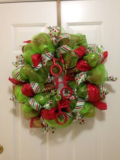 Red and green mesh christmas wreath