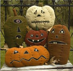 Primitive Wool Applique Pattern - Pumpkin Farm Pattern