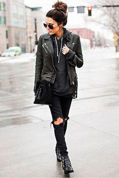 Calça jeans preta Moletom Jaqueta couro preta Bota preta Bota coturno