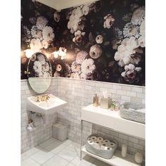 The most beautiful restroom at - Early morning floral inspiration. The most beautiful restroom at - Bathroom Layout, Bathroom Interior, Modern Bathroom, Small Bathroom, Downstairs Bathroom, Parisian Bathroom, Rental Bathroom, Victorian Bathroom, Ikea Bathroom