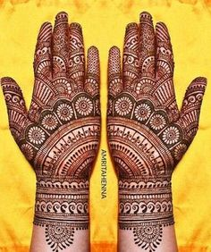 A jaw dropping pattern !!  #indian #mehndi #designs #forhands #unique #bridal #indianbride #indianweddings #hennaart
