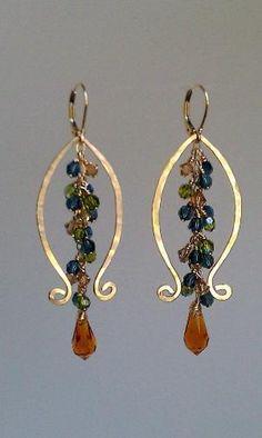 Wire earrings by Jersica Wire Wrapped Earrings, Beaded Earrings, Earrings Handmade, Beaded Jewelry, Gold Earrings, Unique Earrings, Diamond Jewelry, Chain Earrings, Diamond Rings