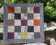 Buttons and Butterflies: Checkmate {Quilt}an idea for the Halloween stash