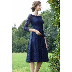 b4f21961ca2f Společenské okouzlující krátké velmi slušivé modré celokrajkové šaty s  dlouhým rukávem Plesové Šaty