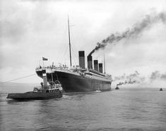 The Titanic leaving Belfast while being guide by two tug boats. 16 Beautifully Colorized Photos Of The Titanic Rms Titanic, Naufrágio Do Titanic, Titanic Photos, Titanic Sinking, Titanic Deaths, Titanic Poster, Belfast Titanic, Titanic Movie, Southampton