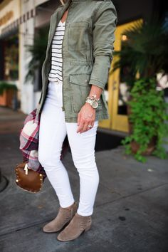 Outfits Otoño, Casual Fall Outfits, Spring Outfits, Winter Outfits, Cool Outfits, Fashion Outfits, White Jacket Outfit, Jeans Outfit Winter, Jean Jacket Outfits