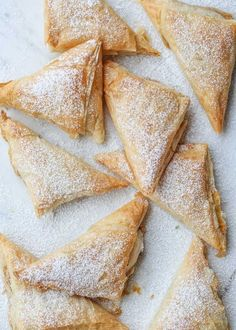 Such a simple and wonderful recipe for pumpkin phyllo turnovers. Thin layers of phyllo sheets with a wonderful pumpkin cream cheese filling. Phyllo Dessert Recipe, Phyllo Dough Recipes, Fall Dessert Recipes, Pastry Recipes, Tart Recipes, Vegan Desserts, Baking Recipes, Pumpkin Tarts, Cheese Pumpkin