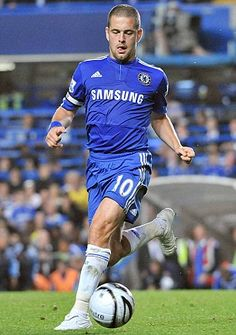 Joe Cole - another purchase from West Ham, his Chelsea career ran from 2003 to 2010. During his time at Stamford Bridge he was involved in winning 3 Premier League titles, 2 FA Cups and 2 League Cups.
