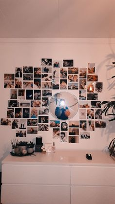 teen room decor 58 new ideas picture wall ideas for teens vsco Cute Room Decor, Teen Room Decor, Room Ideas Bedroom, Bedroom Inspo, Bedroom Picture Walls, Bedroom Wall Pictures, Bedroom Wall Ideas For Teens, Photo Walls, Apartment Bedroom Decor
